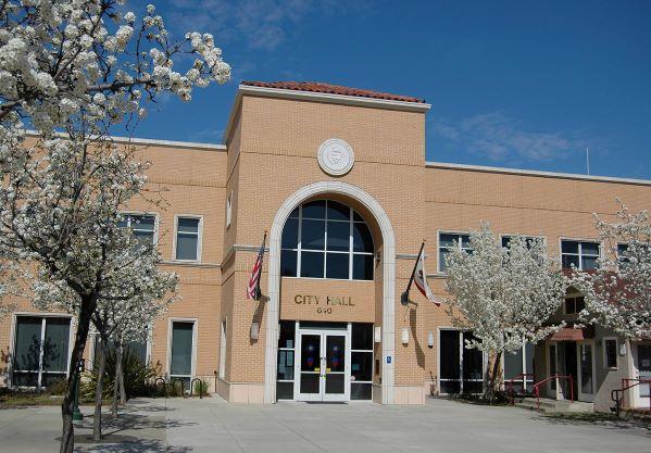 Public sector city hall building
